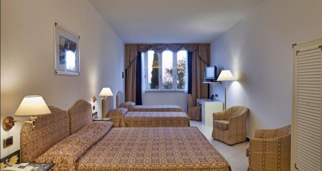 Family room quadruple -visit Spotorno and book at the Best Western Acqua Novella
